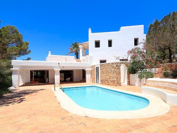 Villa Larrosa 16