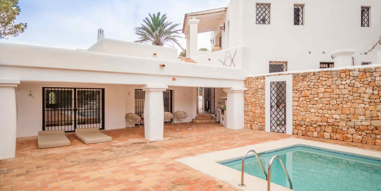 Villa Larrosa 22